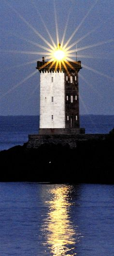 Kermorvan #Lighthouse in Le Conquet, Brittany, #France. - http://dennisharper.lnf.com/