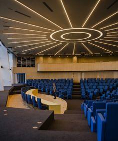 Parlatino - Seat of the Latin American Parliament in Panama city - Architectural and Lighting design: Mallol and Mallol Arquitectos - Lighting products: iGuzzini illuminazione - Photographed by Fernando Alda #iN30 #Lines #light #Lighting #iGuzzini