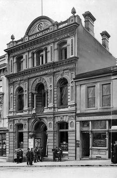 Bill ✔️  Auckland_Star_Newspaper_Building, Fort Street.    Bill Gibson-Patmore.  (curation & caption: @BillGP). Bill✔️ Classic Architecture, Historical Architecture, Norfolk Island, Auckland New Zealand, Continents, The Neighbourhood, Ocean, Kiwi, Places