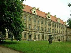 Koło domu: Opactwo cystersów w Lubiążu