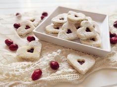 Linecké cukroví – Z Pekáčku Cereal, Cookies, Breakfast, Desserts, Food, Crack Crackers, Morning Coffee, Tailgate Desserts, Deserts
