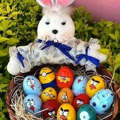 Bom dia! Com o lindo trabalho de @kakazimmer -  Casquinhas de ovos pintadas...personagens preferidos...pq as crianças merecem sem perder o encanto da Páscoa...da Criação Exclusiva da Ane  #feitoamaocom