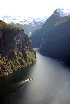 Geiranger itt: Møre og Romsdal fylke Waterfall, Europe, River, Lights, Mountains, Outdoor, Beautiful, Outdoors, Waterfalls