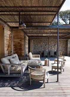 Une terrasse qui joue sur l'ombre - Une terrasse esprit jardin - CôtéMaison.fr