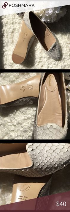 Delman Snakeskin oxfords flats 8.5 Reposh - I'm a true 8 and they are big on me.  Perfect for the summer - light cream color Delman flats  Made in Italy Worn to try on indoors on carpet only Labeled an 8 but fits like an 8.5 Leather sole w reinforced heel Delman Shoes Flats & Loafers