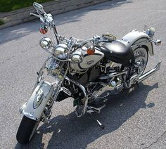 Photo of 1997 Harley Springer Heritage Classic Softail FLSTS motorcycle by Keven.