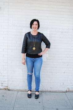 #kisacreative Jen wearing the #kisaboutique quilted crop top with Litany Coptic cross necklace on the #blog
