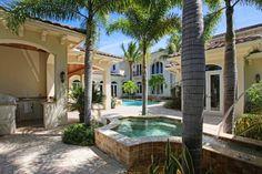 689 Hermitage Cir, Palm Beach Gardens, FL 33410