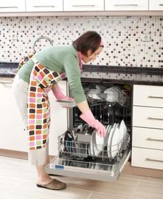 How to Clean Your Dishwasher Properly