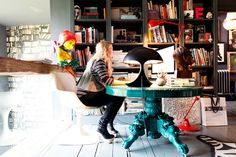 dark + eclectic home of Abigale Ahern, London #turquoise #books