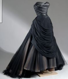 ~Bustle Swan gown | Fit NYC | c. 1954~