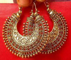 Vintage Ethnic Jewelry Gold Tone Oxidized Indian Pearl Earrings Jhumka Jhumki in… - Gold Jewelry Jewelry Design Earrings, Fashion Earrings, Fashion Jewelry, Jewelry Shop, Stylish Jewelry, Jewelry Making, Jewelry Stand, Jewelry Holder, Real Gold Jewelry