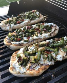 If you've never grilled pizza dough on your BBQ, now is your chance. The smokey flavour is so good when combined with ricotta and a sweet drizzle! Head to my website for the rest of the recipe!    1 tbsp flour 650g pizza dough 2 tbsp canola oil, divided 454g asparagus, trimmed 454g (1 ½ cups) ricotta Zest of 1 lemon 12 basil leaves, chopped ½ tsp pepper ½ tsp salt ½ tsp pepper 2 tbsp Honey 1 tbsp balsamic vinegar 1 long red-hot pepper, thinly sliced (optional) Lemon Asparagus, Lemon Basil, Grilled Broccoli, Grilled Pizza, Apple Recipes, Vegan Recipes, Piece Of Pizza, Garlic Hummus, Vegan Grilling