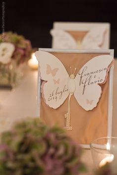 #Tableau #marriage #matrimonio #farfalla #sposi #numero #butterfly #table number https://www.facebook.com/goldmodesambuci