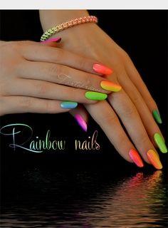 manucure fluo et multicolore de nail-art.fr