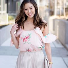 7509ec873d0 Spring Streetstyle  Pretty pleated skirt and floral print top from LC  Lauren Conrad Dress Up Shop