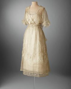 Lucile afternoon dress, 1919. From the Hillwood Museum.