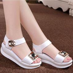 "🕊""La SONRISA es el mejor accesorio que una persona puede tener."" o(^▽^)o Korean Shoes, Shoe Boots, Shoes Sandals, Mode Kimono, Kawaii Shoes, Cinderella Shoes, Beautiful Sandals, Hot Shoes, Comfortable Shoes"