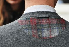Our eye on the street captures London Fashion Week's most stylish men-about-town Couture Details, Fashion Details, Tommy Ton Men, Most Stylish Men, Mens Fashion Sweaters, Burberry Men, Gucci Men, Winter Trends, Knitting Designs