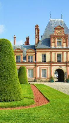 Fontainebleau, France | La Beℓℓe ℳystère