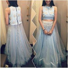 Ohaila Khan # perfect fusion cropped top # lehenga look # fashion Indian Attire, Indian Wear, Indian Dresses, Indian Outfits, Shadi Dresses, Look Fashion, Indian Fashion, Lehnga Dress, Bastilla
