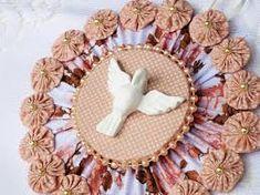 Resultado de imagem para como fazer divino espirito santo em tecido Paper Clay, Paper Mache, Holy Mary, Chicken Scratch, Sacred Art, Xmas Crafts, Traditional Art, Handicraft, Quilling