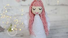 A free crochet pattern for a gorgeous angel. The crochet angel is easy to make and the pattern is free! Elsa the snow angel. Crochet Patterns For Beginners, Easy Crochet Patterns, Crochet Patterns Amigurumi, Crochet Dolls, Crochet Mouse, Crochet Baby, Free Crochet, Simple Crochet, Crochet Angel Pattern