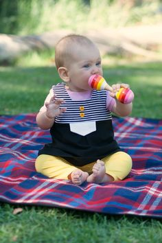 While she was sleeping: Inspired by Mie: colour blocked Lila tunic and yellow Drew leggings