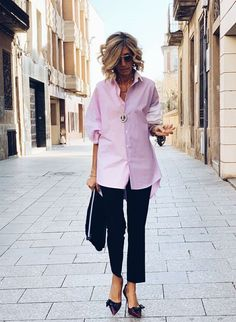 Best Outfits For Women Over 50 - Fashion Trends Over 50 Womens Fashion, Fashion Over 40, 50 Fashion, Work Fashion, Fashion Outfits, Fashion Tips, Fashion Trends, Classic Fashion, Mode Outfits