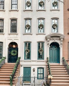New York Christmas, Christmas Home, Christmas Trees, Merry Christmas, French Country Living Room, Upper East Side, Summer Memories, Built In Bookcase, Paris Apartments