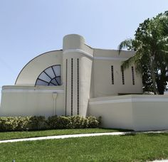 #Architecture #ArtDecoArchitecture #ArtDeco #305 #SouthBeach #561BUILD #ForensicEngineer #PalmBeach #FtLauderdale #Miami South Beach, Palm Beach, Nautilus, Amazing Architecture, Miami, Art Deco, Exterior, Homes, Building