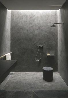 Studio KO - Villa E - Marrakech - ©Dan Glaser > Black Bathroom stucco tadelakt bath modern Interior Design Examples, Interior Design Inspiration, Design Ideas, Design Trends, Minimal Bathroom, Modern Bathroom, Black Bathrooms, Modern Shower, Small Bathroom