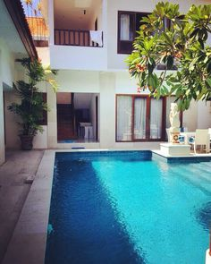 No trip to #Bali will be complete without a stay at a #PrivatePoolVilla...and trust us to find you the most fantastic villas ...perfect for a group or couple of couples or even a family is this luxurious 3 bedroom villa with verdant #rooftopgardens #outdoorshowers #privatepool #kingbeds and #kitchenette...pic Credits : Hiraparas #travelallways #travelgram #wanderlust #bali #indonesia #seminyak #familyholidays #familybonding #swimalldaylong #poolsidechillin #loungingbythepool #sunshine…