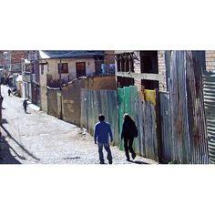 #bolivia #southamerica #photography #lapazbolivia #walking #people #streetphoto #streetphotography #travel #city #cityphotography #cityphoto #lapaz