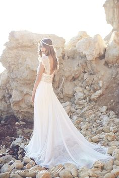Editor's Picks: 23 Fabulous Wedding Dresses for 2016 - MODwedding