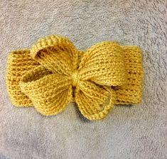 Bow Ear Warmer, Toddler baby girl ear warmers, baby winter hats, Baby Bow Headbands, Ear warmers for kids - Crochet Baby Girl Crochet, Crochet Baby Hats, Crochet Beanie, Crochet For Kids, Crochet Winter, Knit Crochet, Easy Beginner Crochet Patterns, Knitting Patterns, Hat Patterns