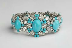Harry Winston Bracelet, turquoise and diamonds in platinum. Ruby Jewelry, Dainty Jewelry, Turquoise Jewelry, Diamond Jewelry, Antique Jewelry, Turquoise Bracelet, Vintage Jewelry, Fine Jewelry, Women Jewelry