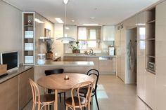 집꾸미기 Decoration Inspiration, Japanese House, Bathroom Interior, Minimalism, Kitchen Design, Dining Room, House Design, Interior Design, House Styles