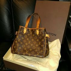 Authentic  Louis  Vuitton Looking  to trade for  another  lv Bags