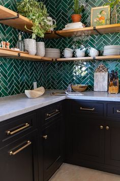 This kitchen make my heart sing!! ❤️❤️❤️❤️❤️😍😍😍😍Herringbone Kitchen Backsplash