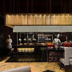 intercontinental-shanghai-4125794018-1x1 (2160×2160) Restaurant Lighting, Restaurant Lounge, Restaurant Interior Design, Classic Restaurant, Happy Kitchen, Open Kitchen, Design Hotel, Kitchen Counter Design, Resturant Interior