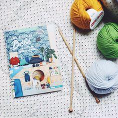 Le point de jours en échelle - The ladder lace rib stitch — trust the mojo Waffle Stitch, Seed Stitch, Manado, Le Point, Mens Caps, Basket Weaving, Autumn Leaves, Baby Knitting, Blue Nails