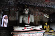 Statue of meditating Buddha on the second cave of the golden temple of Dambulla, Sri Lanka Golden Temple, Buddha Meditation, World Heritage Sites, Buddhism, The Rock, Sri Lanka, Places To See, Cave, Trips