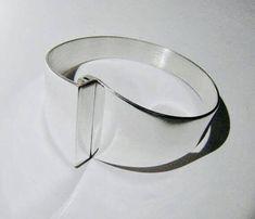 Veikko Reinikka (FI), vintage minimalist sterling silver bangle bracelet, 1962. #finland   finlandjewelry.com