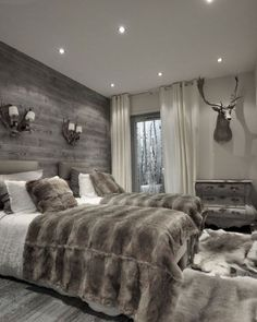 Best Modern Rustic Bedroom For Your Home. We searched the Modern Rustic Bedroom For Your Home color choices for you in the bedroom Farmhouse Master Bedroom, Cabin Bedroom, Modern Rustic Bedrooms, Modern Bedroom, Bedroom, Bedroom Makeover, Home Decor, Master Bedrooms Decor, Home Bedroom