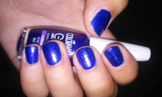Colorama Gio Antonelli desce do salto + Maybelline color show Veils =  uñas EFECTO NOCHE