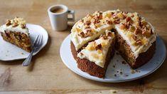 Ginger and walnut carrot cake recipe - BBC Food nigella Nigella Lawson, Food Cakes, Carrot Cake Recipe Bbc, Cake Recipes Bbc, Carrot Cakes, Dessert Recipes, Non Chocolate Desserts, Springform Cake Tin, Walnut Cake