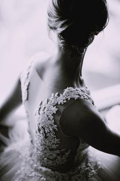 6 Astonishing Dress Pics Grayscale Photography Of A Woman In Lace Sleeveless Dress You are in the right place about rustic wedding catering Here we offer you the most beautiful Wedding Weekend, Wedding Day, Luxury Wedding, Rustic Wedding, Wedding Designs, Wedding Styles, Wedding Catering Cost, Wedding Bouquets, Wedding Dresses