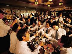 Year-end party in Japan. This is one of bad habits in Japan,I think. @Japanese bounenkai at an izakaya