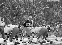 "A look back at the 1967 NFL Championship Game, otherwise known as the ""Ice Bowl"", between the Green Bay Packers and Dallas Cowboys. Game time temperature was 13 degrees below zero. Nfl Championships, Championship Game, Packers Football, Football Team, Greenbay Packers, Football Stuff, Cold Game, Ice Bowl, Skinny"